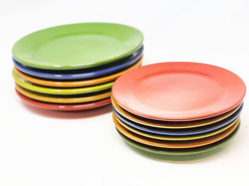Verano-Spanish-Ceramics-Selena-Plates-Large-And-Small-Stacked-2