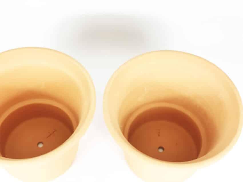 Verano-Ceramics-Spanish-Terracotta-Set-of-2-PT-RP25and32-Rimmed-Planter (2)-4