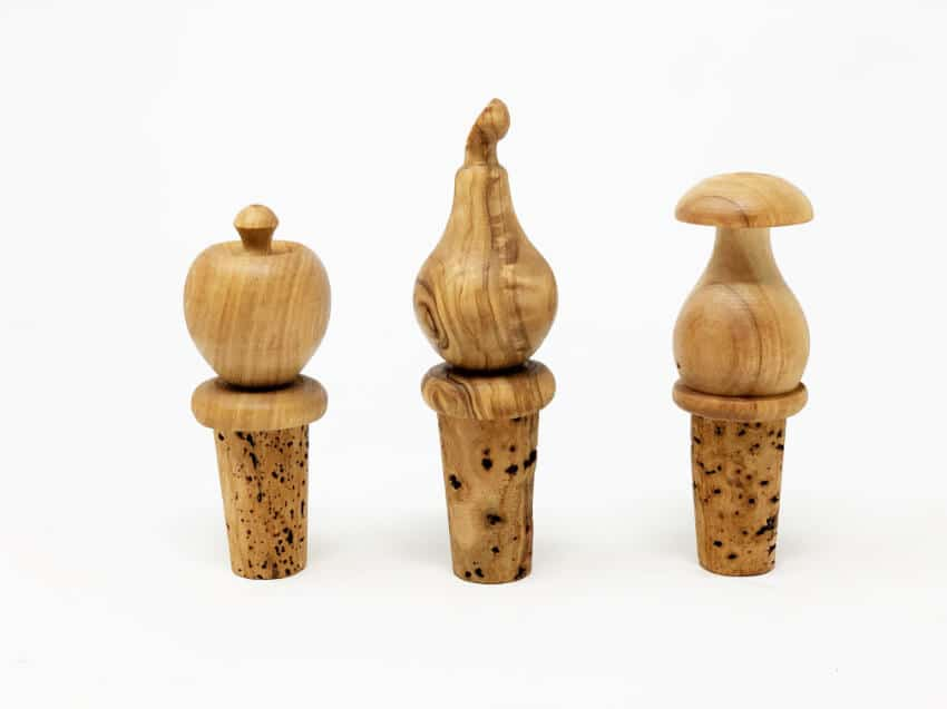 Verano-Olive-Wood-Accessories-Bottle-Stopper-3