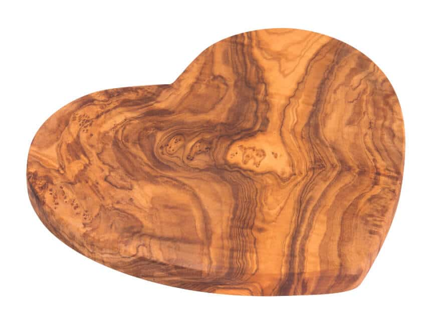 Verano-Olive-Wood-Heart-Shaped-Boards-1