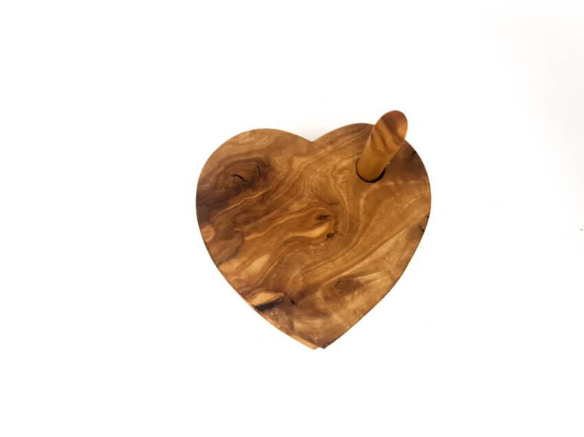 Verano-Spanish-Ceramics-Olive-Wood-Heart-Shaped-Coasters-2