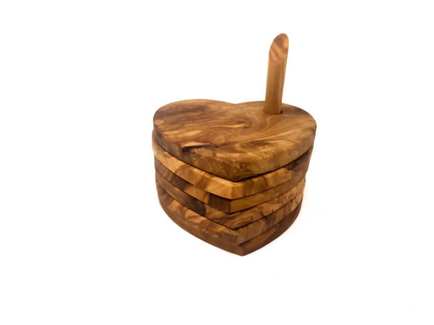 Verano-Spanish-Ceramics-Olive-Wood-Heart-Shaped-Coasters-4