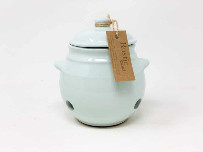 Verano-Spanish-Ceramics-Rustic-Pastel-Garlic-Jar-3